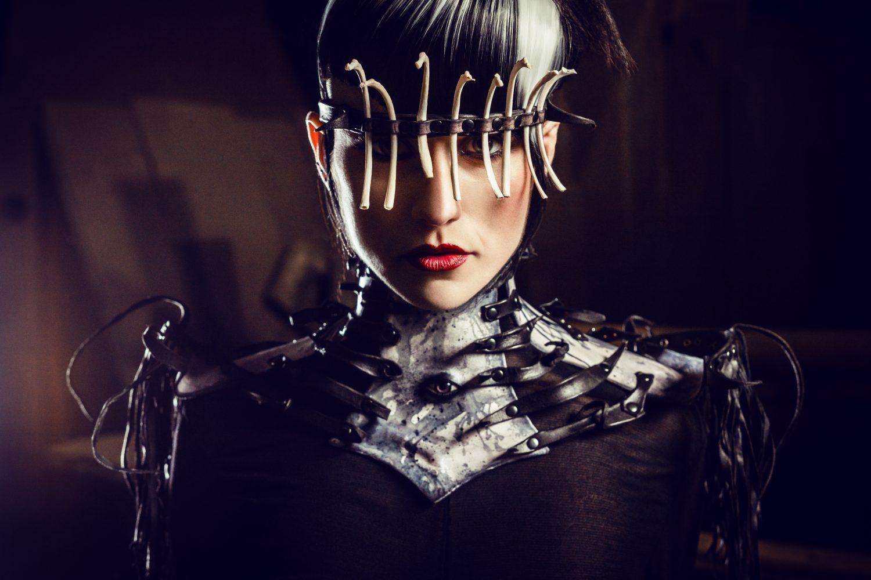 Choker, Wearable art